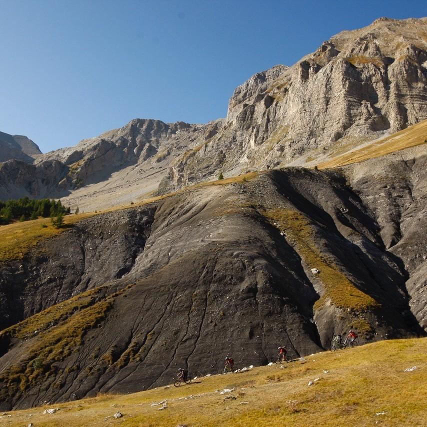 séjour vtt enduro dans le mercantour, traversée vtt des Alpes Fabuleuse traversée des Alpes, Enduro Trip® Mercantour