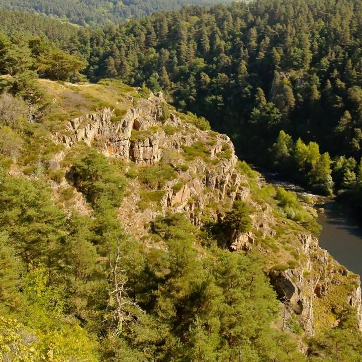séjour vtt en haute loire, séjour vtt en Haute-Loire, raid vtt grande traversée de l'Ardèche, grande traversée du Massif central, la bonne étoile du Velay